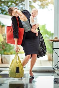 How to Minimize Repetitive Stress Injuries From Carrying a Baby
