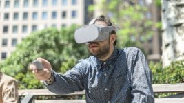 Oculus Co-Founder: VR Wouldn't Go Mass Market If You Gave It Away for Free