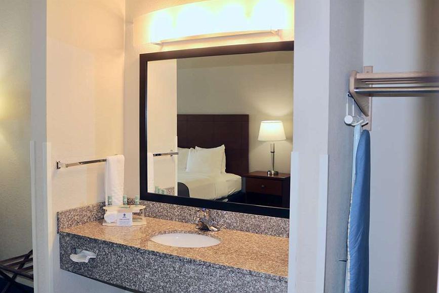 best western fostoria inn suites
