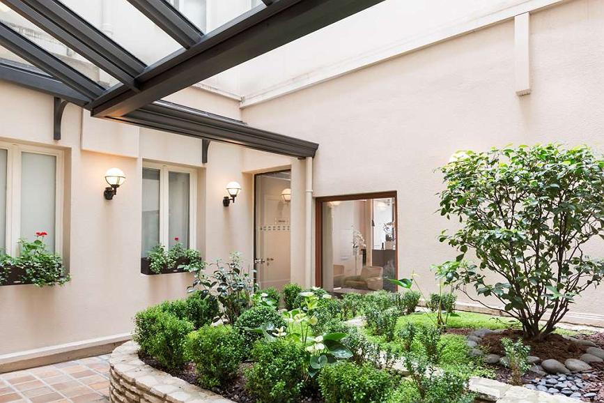 Hotel In Paris Best Western Jardin De Cluny