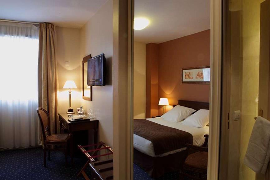 Hotel In Paris Best Western Amiral Hotel