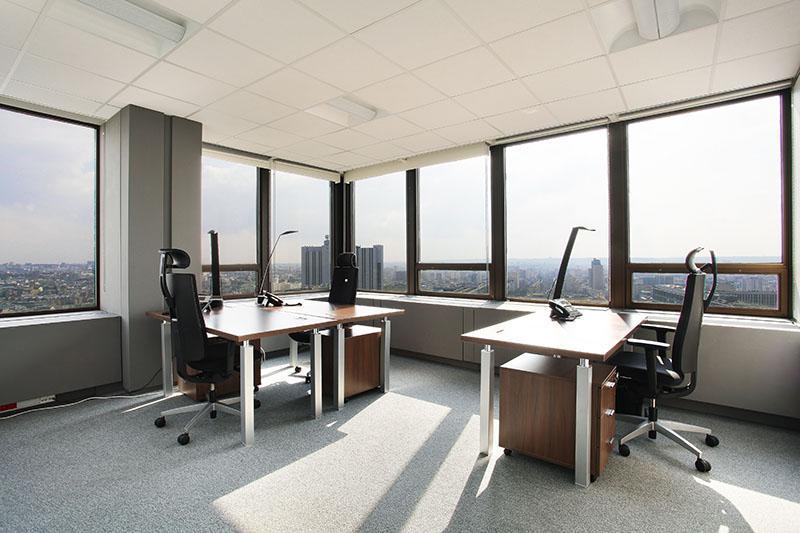 espaces de travail a paris tour montparnasse pour 3 a 4 personnes photo 1