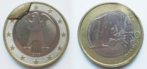 1 Euro Allemagne 2002J - Coin ébréché (EM164)