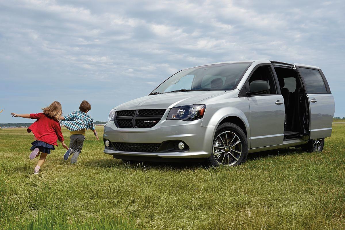 hight resolution of 2019 dodge grand caravan exterior view with power sliding doors