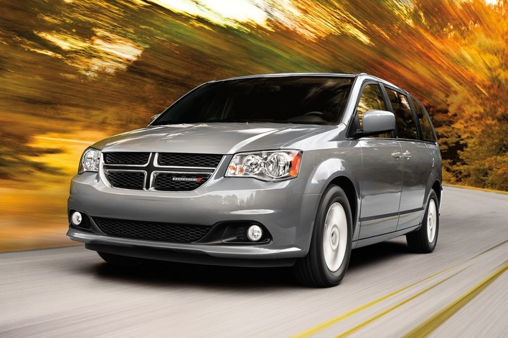 medium resolution of 2019 dodge grand caravan exterior view in grey driving