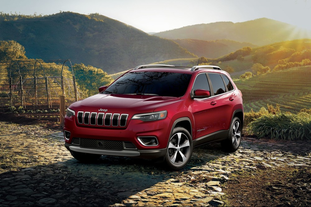 medium resolution of jeep cherokee 2019 red 4x4 outdoors
