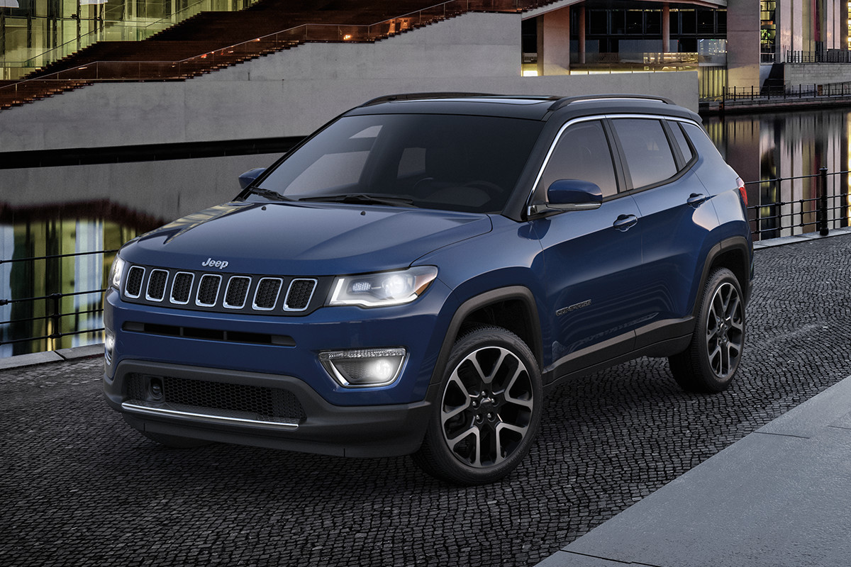 hight resolution of 2019 jeep compass trailhawk in jazz blue parked