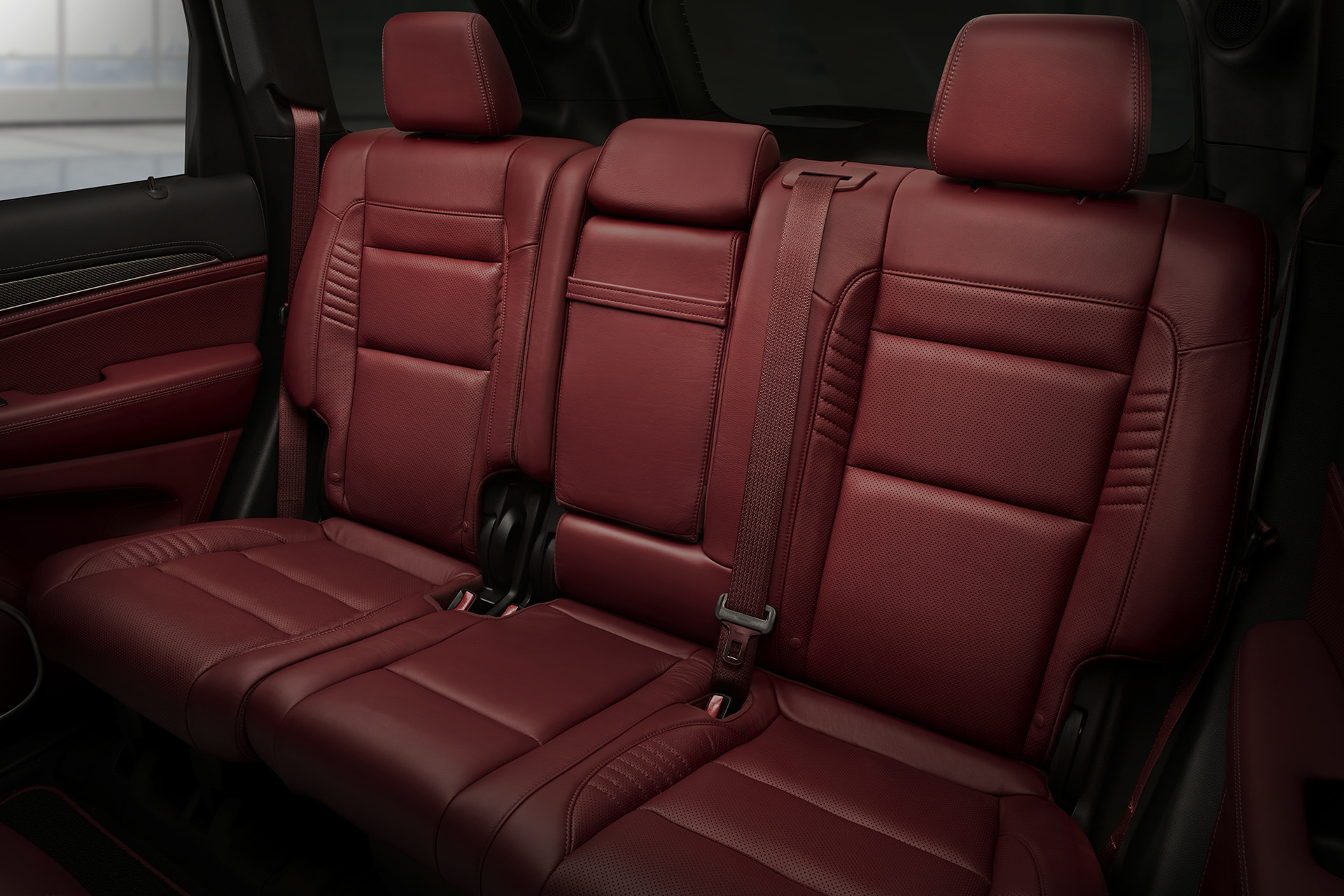 hight resolution of 2019 jeep grand cherokee interior view showing burgundy rear seats