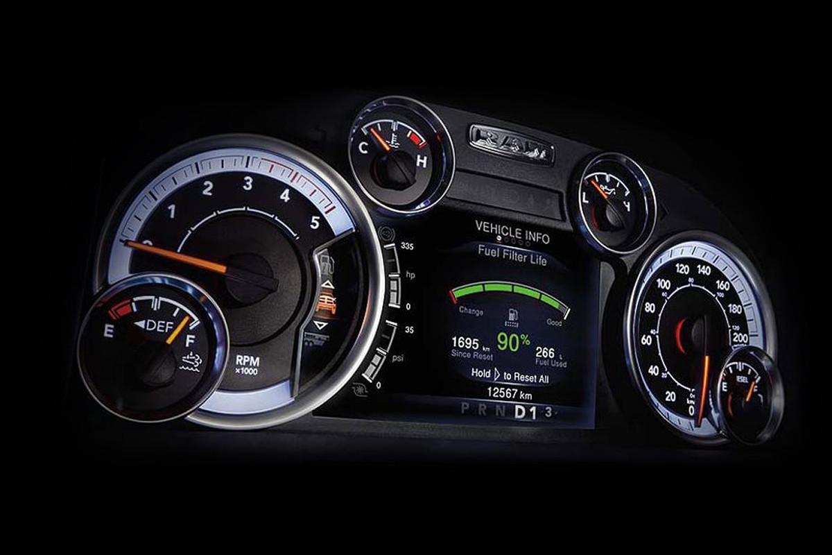 hight resolution of 2018 ram 2500 pickup truck customizable 7 inch display