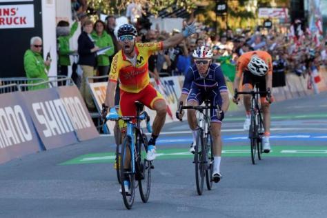 Cyclisme sur route - Cyclisme sur route - Alejandro Valverde devant Bardet , Woods (caché) et Dumoulin, dépité. (H.P.Bader/ Reuters)