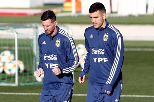 Football - Yann Soudé - Messi et Paredes seront les titulaires. (J. Medina / Reuters)