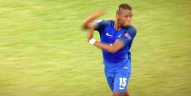 Football - Euro - Pogba assure ne pas avoir fait de bras d'honneur. (D.R)