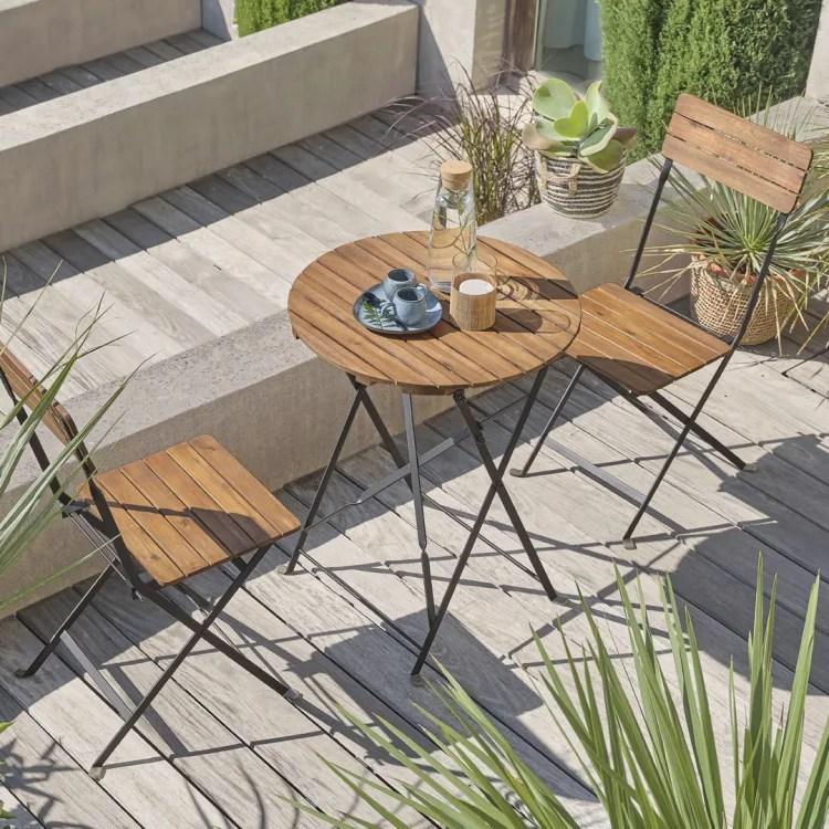 Vous trouverez un vaste choix de chaises en bois, pourvues ou non d'une assise en paille. Collection Jardin 2021 Maisons Du Monde