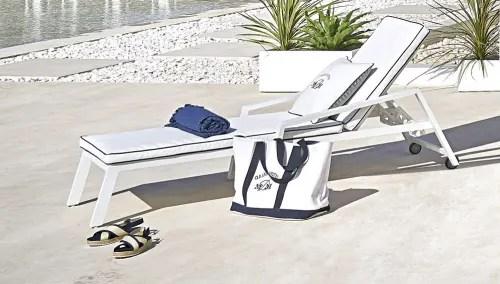 bain de soleil en aluminium avec matelas blanc maisons du monde