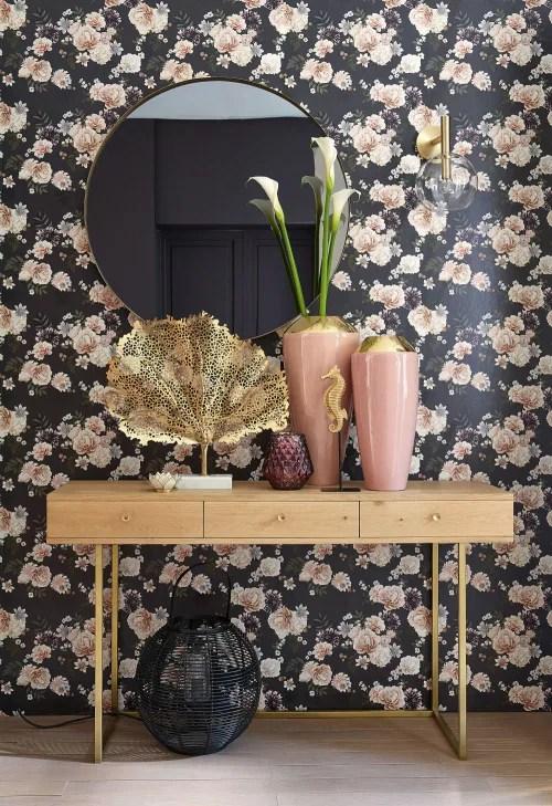Da maisons du monde potete trovare una molteplicità di stampe su tela, ideali per la zona. Candeliere Madreperlato Bianco In Metallo Lotus Maisons Du Monde