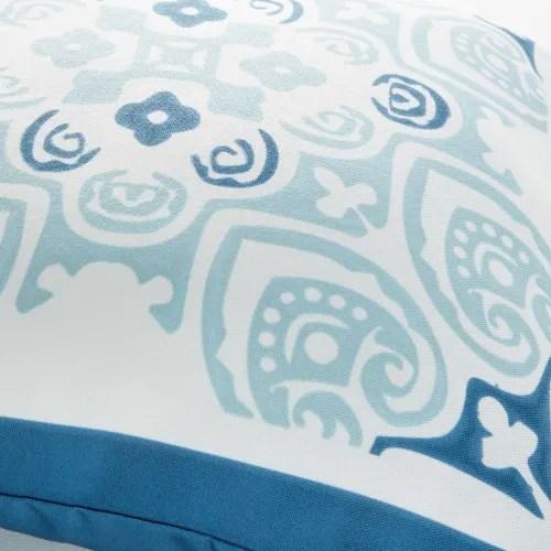 coussin d exterieur blanc motif carreau de ciment bleu 45x45