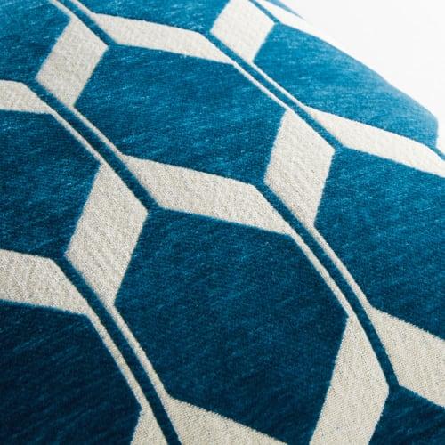coussin en velours bleu canard motifs jacquard 60x60 maisons du monde