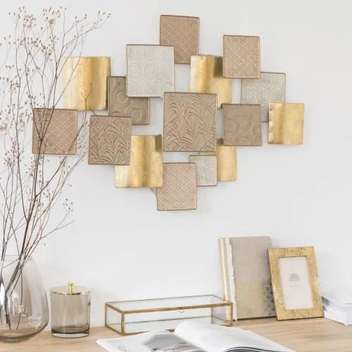 Soggiorno moderno 100 idee per il salotto perfetto. Decorazione Da Parete In Metallo Dorato Bianco E Rosa 76x60 Cm Carola Maisons Du Monde