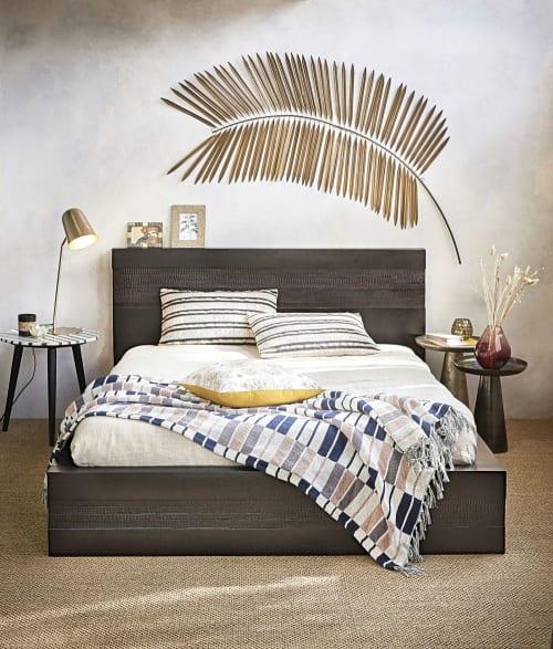 Le carte da parati sono perfette sulla parete dietro il letto, per creare un punto focale di. Decorazione Da Parete Ramo Di Palma In Metallo Dorata 82x163 Cm Exotic Maisons Du Monde