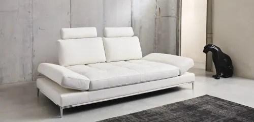 I divani letto di maisons du monde coniugano eleganza, stile e funzionalità, grazie al letto estraibile in poche mosse. Divano 3 4 Posti In Tessuto Rivestito Bianca Geller Maisons Du Monde