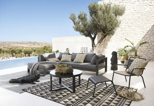 Per una zona relax in un giardino che si rispetti non può mancare un comodo divano su cui. Divano Ad Angolo Da Giardino 4 5 Posti In Alluminio Nero Thetis Maisons Du Monde