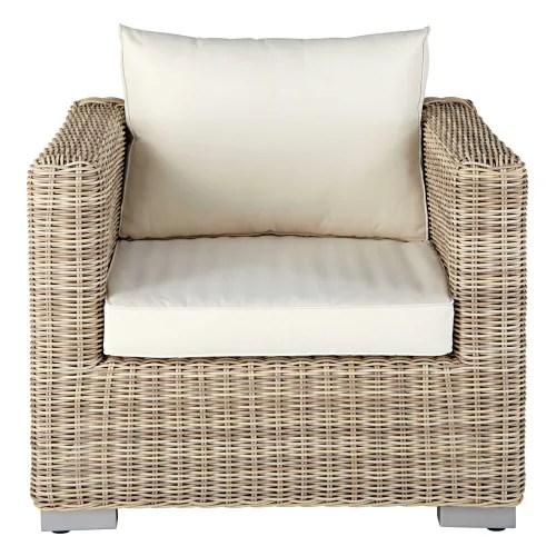 fauteuil de jardin en resine tressee beige et coussins ecrus maisons du monde