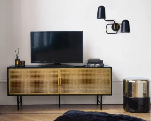 Dai un'occhiata ai nostri mobili e oggetti decorativi e fai i pieno di ispirazione! Mobile Tv A 2 Ante In Metallo Nero E Dorato Jagger Maisons Du Monde