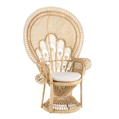 Dai un'occhiata ai nostri mobili e oggetti decorativi e fai i pieno di. Poltrona In Rattan Intrecciato Manille Maisons Du Monde