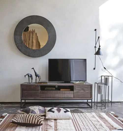 Dai un'occhiata ai nostri mobili e oggetti decorativi e fai i pieno. Solid Mango Wood 2 Door 1 Drawer Tv Unit Lusaka Maisons Du Monde
