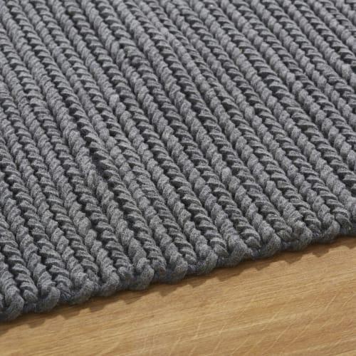 tapis en laine tressee gris fait main 140x200 maisons du monde
