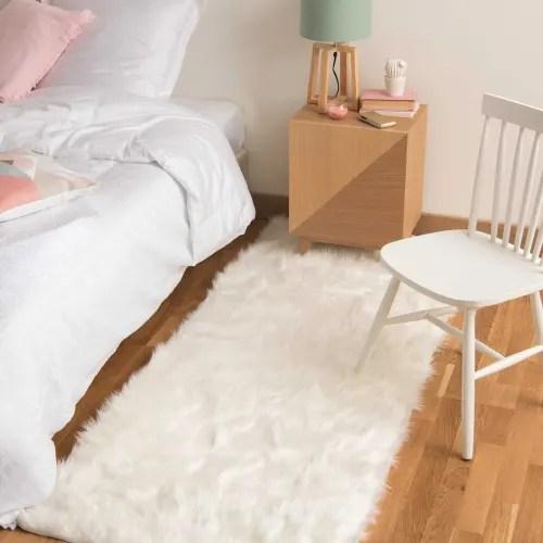 tapis imitation fourrure blanche 80x200 maisons du monde