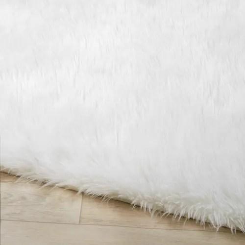 tapis imitation fourrure ecrue 120x180 maisons du monde