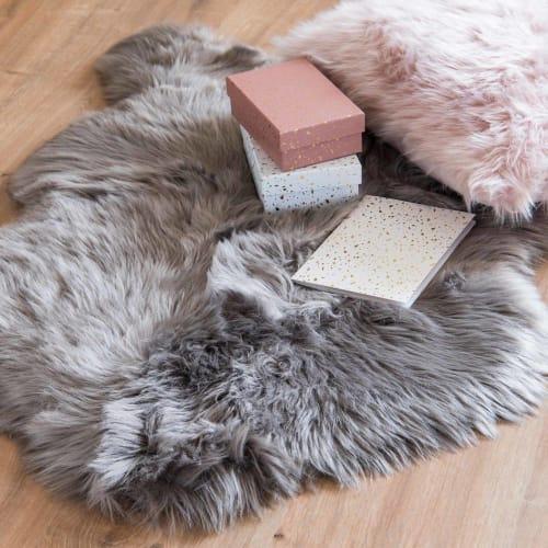 tapis imitation fourrure grise 60x90 maisons du monde