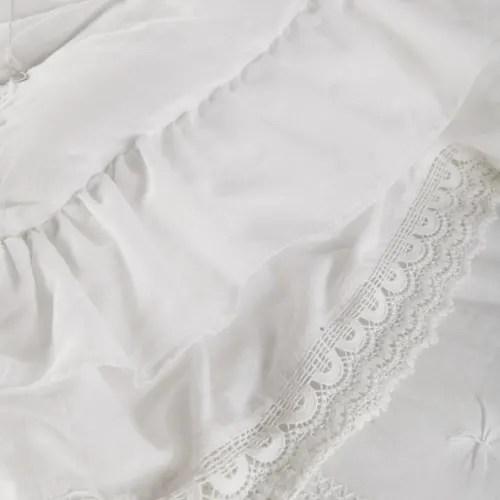 Trapunta in cotone rosa e nera motivo floreale, 100x200 cm alba su maisons du monde. Trapunta Bianca In Cotone 240 X 260 Cm Clemence Maisons Du Monde