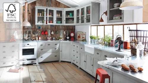 In metallo, o in legno. Cucina Maisons Du Monde