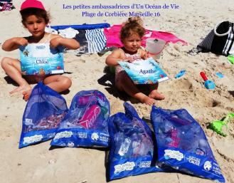 Les petites ambassadrices d'Un Océan de Vie. Plage de Corbière, Marseille 16