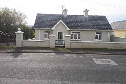 No. 1 Shillelagh Road, Tinahely, Co. Wicklow.
