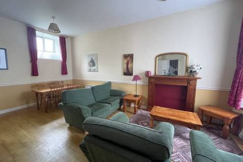16 The Pillar, King Street, Wexford Town, Co. Wexford