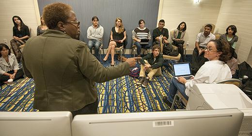 Photo of ONA13 student newsroom