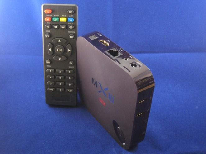 De Quad Core box met afstandsbediening