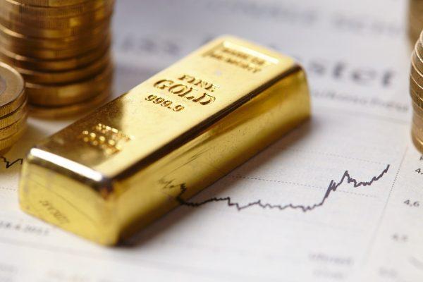 Siang Ini, Harga Emas Spot Masih Bergerak Volatile