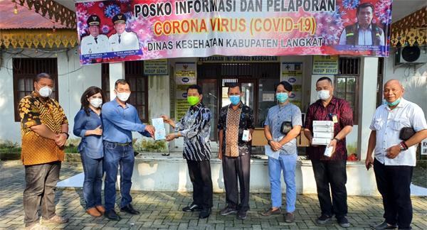 Rotary Club Medan Deli dan Dima Supernet Serahkan Bantuan Rapid Test dan Cellfood Ke Dinkes Langkat