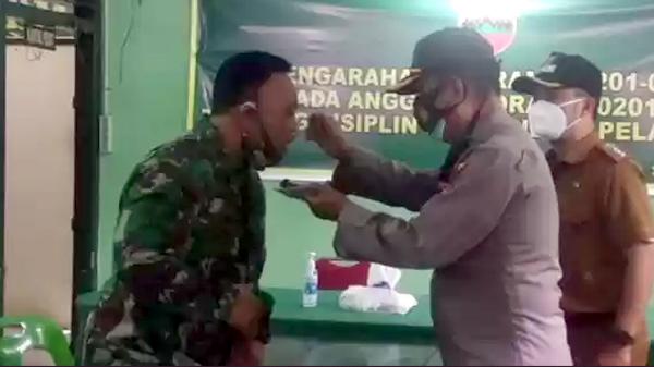 Kapolsek Medan Timur Beri Kejutan Untuk Danramil 02/MT di HUT TNI