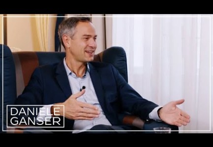 Dr. Daniele Ganser im Gespräch: Digitaler Imperialismus, was ist das? (TomWhoKnows 30. Oktober 2020)