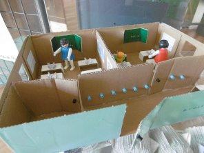 J7 : Les jouets pour playmobil de Chloé et Coralie : l'école