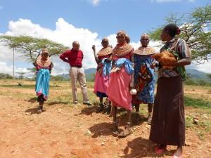 KenyaProjectPeopleOutside