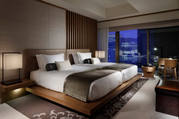 Palace-Hotel-Tokyo-Chiyoda-Suite-Bedroom-800x533