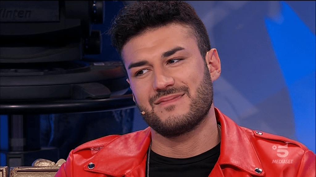 Uomini E Donne Bufera Sui Social Per La Finta Scelta Di Lorenzo Riccardi