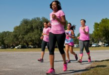 Runners support Breast Cancer Awareness