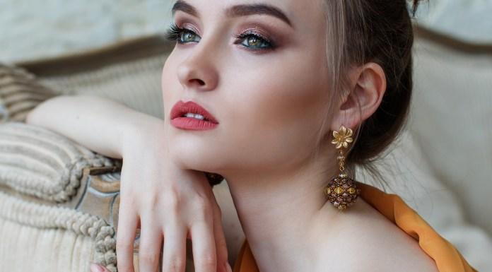 Cosmetics, Makeup
